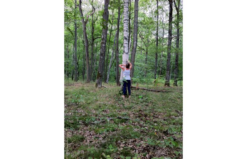 Corinne Dans La Forêt